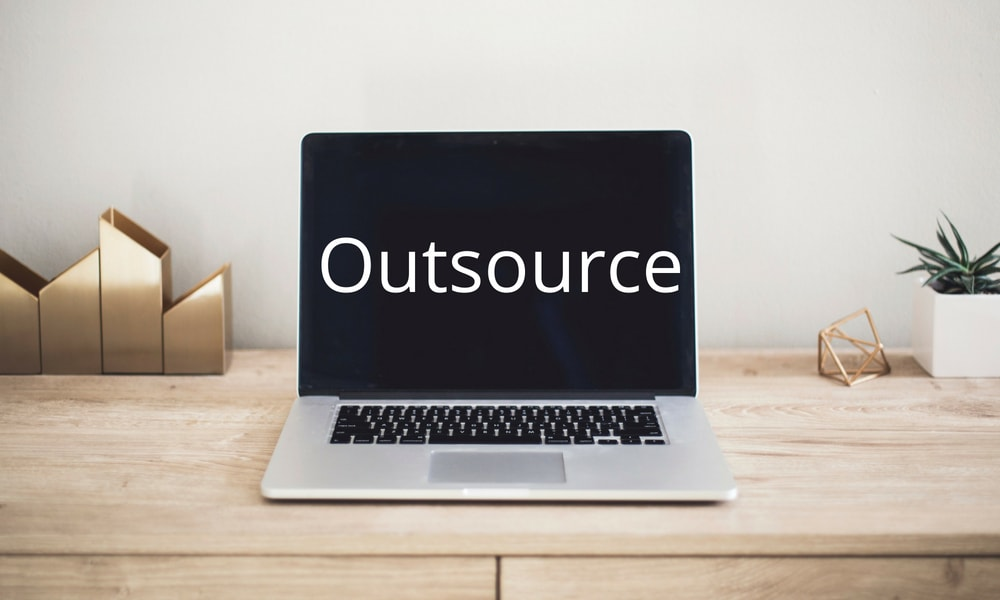 Outsourcing-Tips-Small-Business-Owners-min